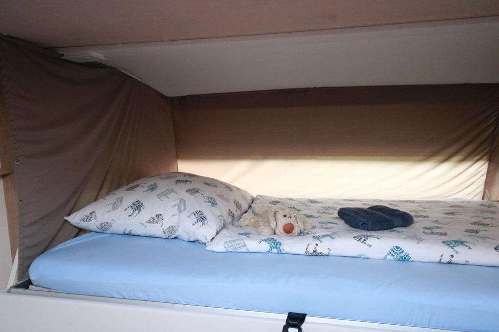 mobilvetta-horní postel